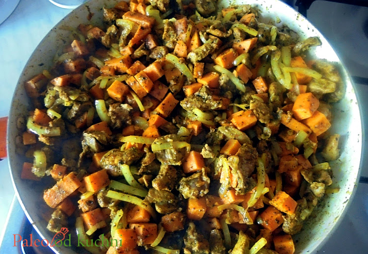Batatowe curry z indykiem