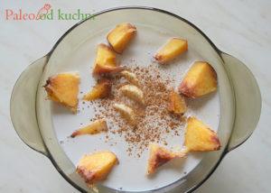 Owoce z mlekiem kokosowym